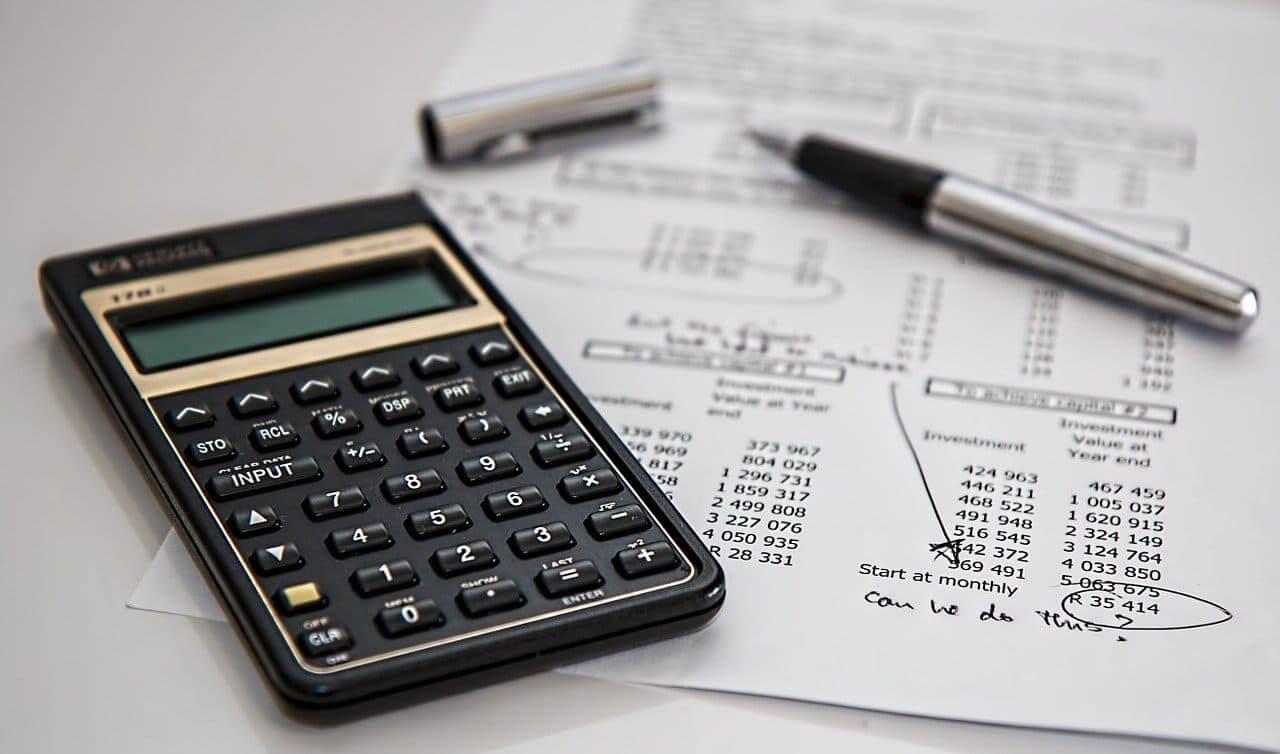 Taschenrechner_Fundamentalanalyse_Investieren